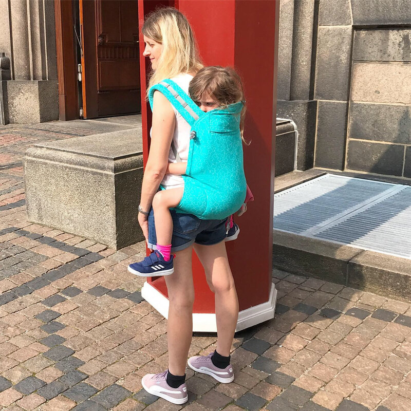 Devant le château Christiansborg (Copenhague) ©Kid Friendly