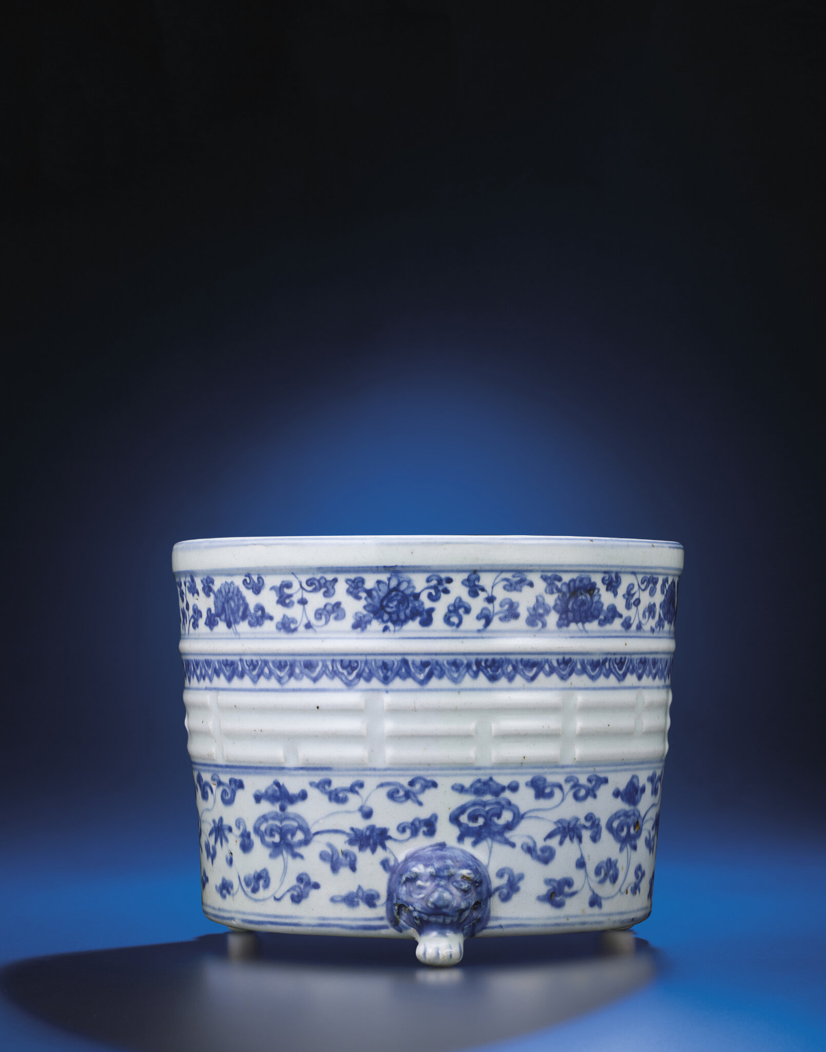 A Ming blue and white tripod censer, Ming dynasty, 16th century