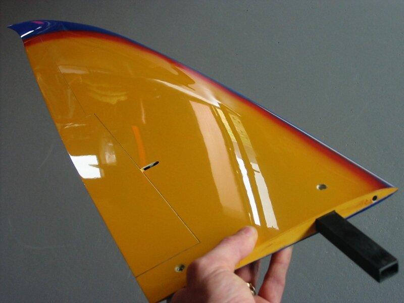 05 - L'aile - Photo de A) Kamelot, le kit    - F5B - Hotliners in