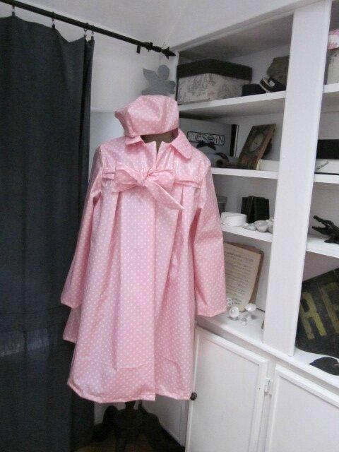 Ciré AGALE en coton enduit rose malabar à pois blancs - Chapeau de pluie AGATHE en coton enduit rose malabar à pois blancs (6)