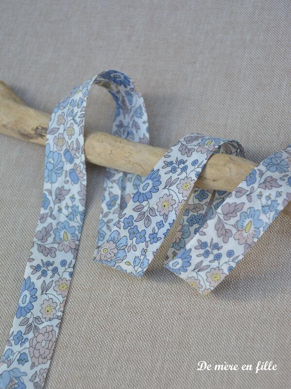 danjo bleu ciel et beige