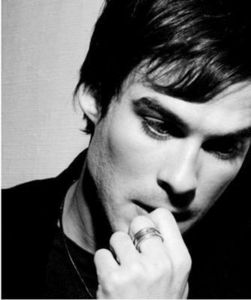 Photo_Shoots_and_Modelling_ian_somerhalder_22332510_334_400