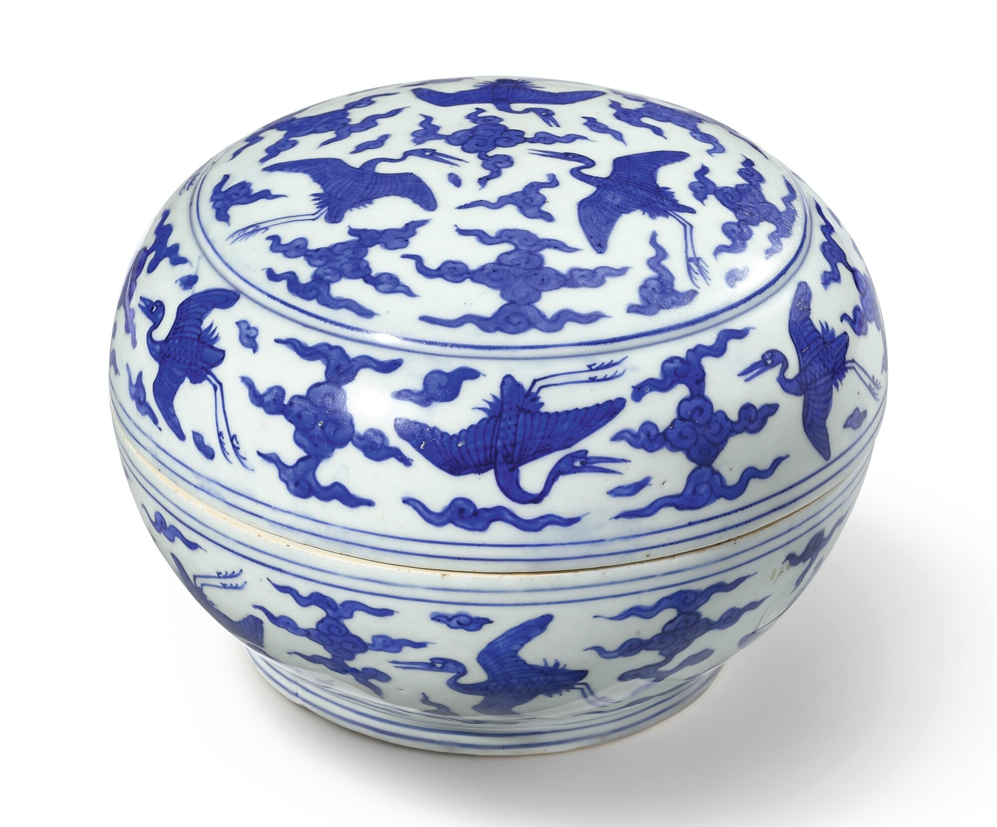 A blue and white 'crane' box and cover, mark and period of Jiajing (1522-1566)