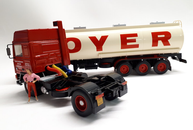 #70-Volvo F 12 Hoyer (5)