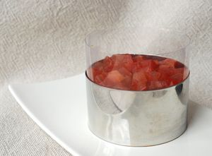 Entremet_tomates_poivrons_sur_biscuit_Tuc_tomat_