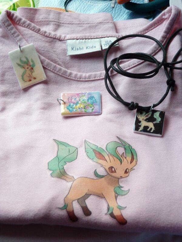 Collier et tee-shirt Pokémon