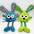 Doudous lapins personnalisés bleu - vert