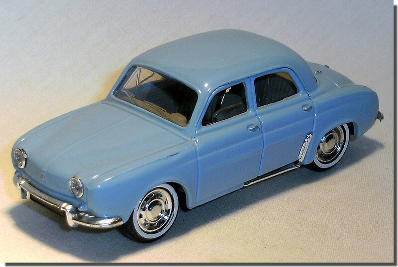 Renault Dauphine Bleue Solido A 1