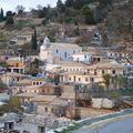 un village en hauteur