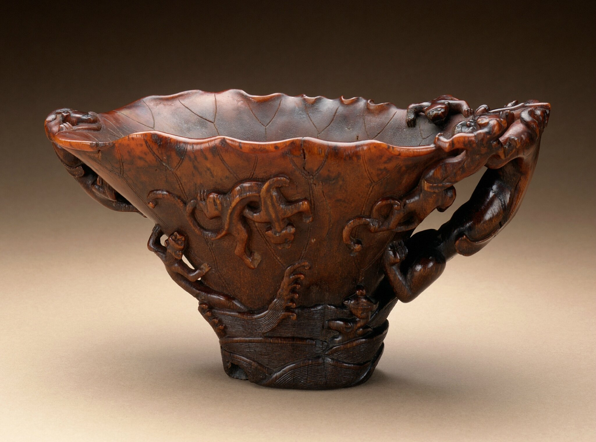 Cup (Guang) with Dragons in Waves, China, late Ming dynasty, about 1550-1644