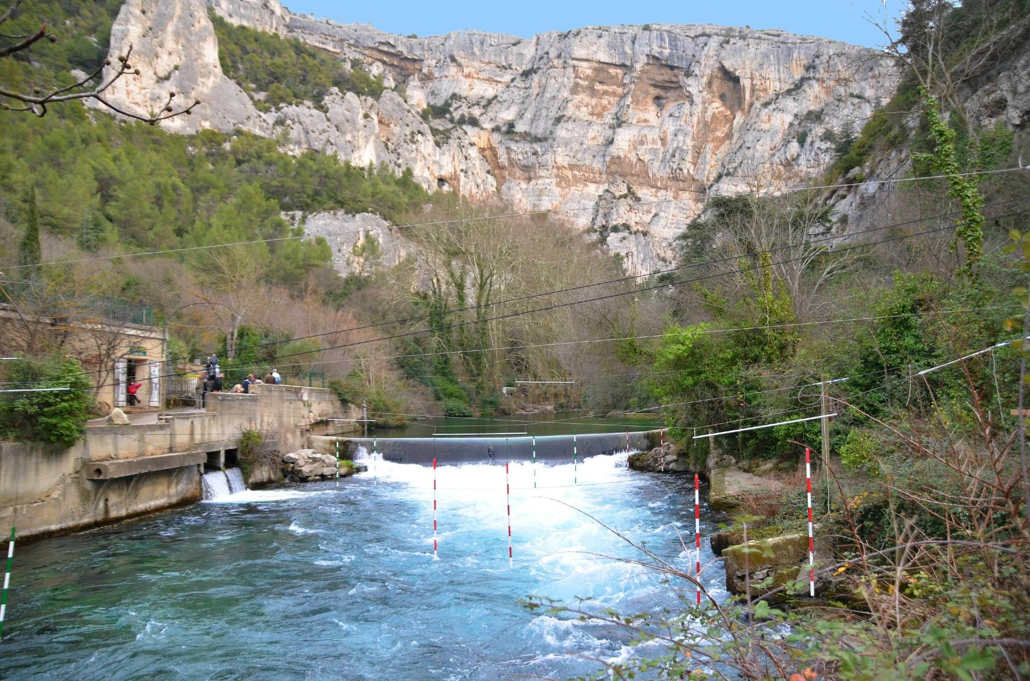 Fontaine de Vaucluse et son moulin à papier