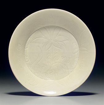 a_rare_carved_dingyao_dish_northern_song_dynasty_d5347990h