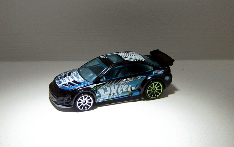 Ford focus de 2008 (Hotwheels 2013)