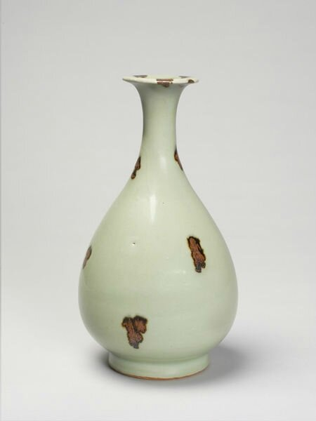 Stoneware bottle with iron spot decoration and green 'celadon' glaze, Longquan ware, China, Yuan dynasty (1279-1368)
