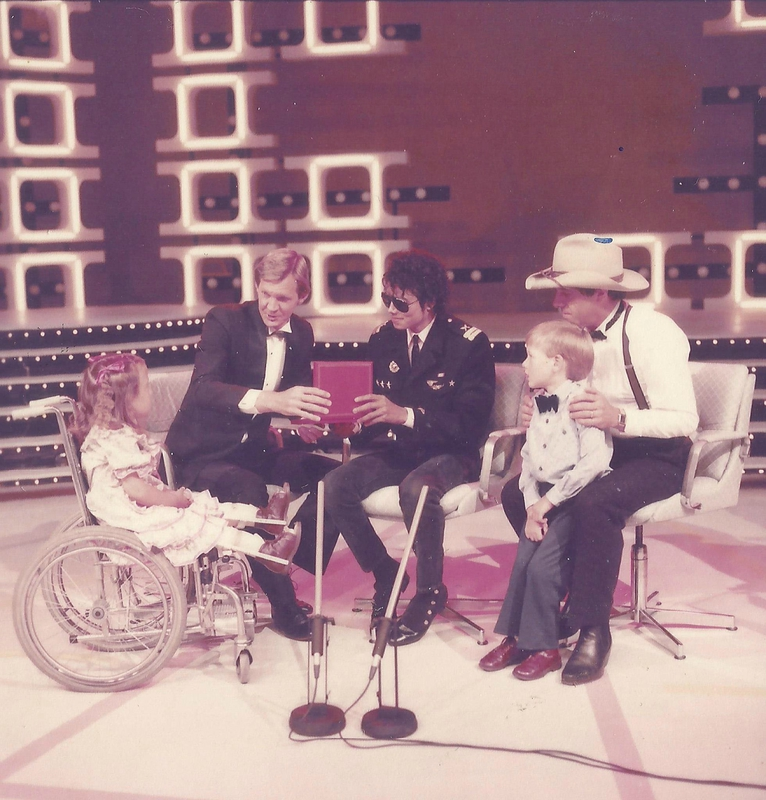 Michael Jackson with Peter Waltham, Molly Meldrum and 1985 Telethon Children, Helen Francis and Luke Smith