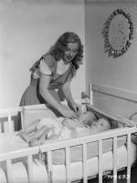1947-05-baby_sitter_sitting-with_roy_metzler_twins-by_david_cicero-050-1