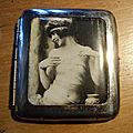 Ancien etui à cigarettes laiton chromé photographie érotique glaçoïde 1925/1930 / nu, nude photography 01