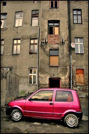 Petite voiture rouge Polonaise