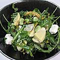 Salade tiède de fèves, artichauts et féta