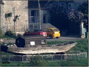 DSCF0830-gabarde de Loire en cale sèche en vue de réparation de Loire à Meung sur Loire