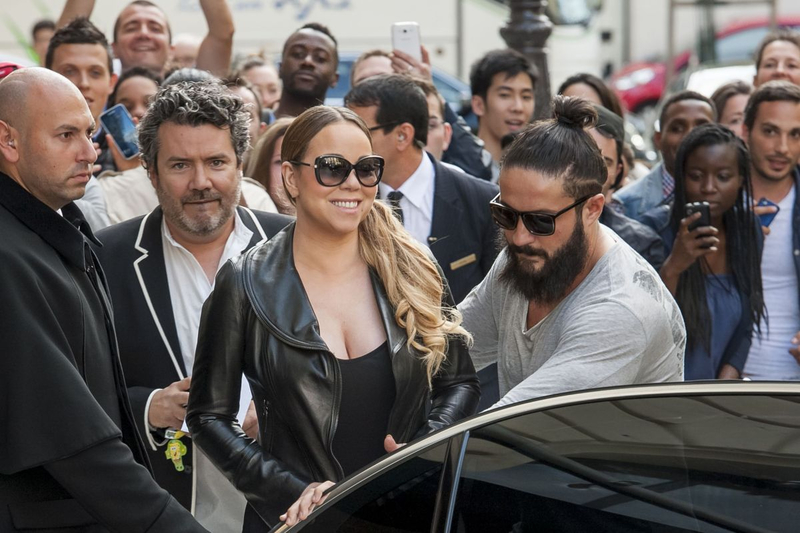 mariah-carey-leaves-peninsula-hotel-in-paris-06-10-2015_10