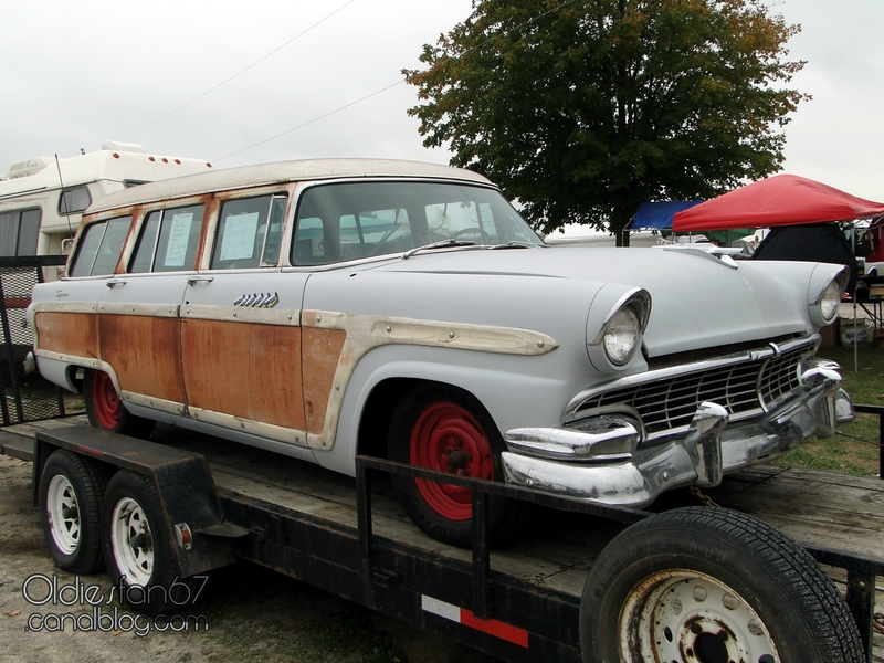 ford-country-squire-wagon-1956-01