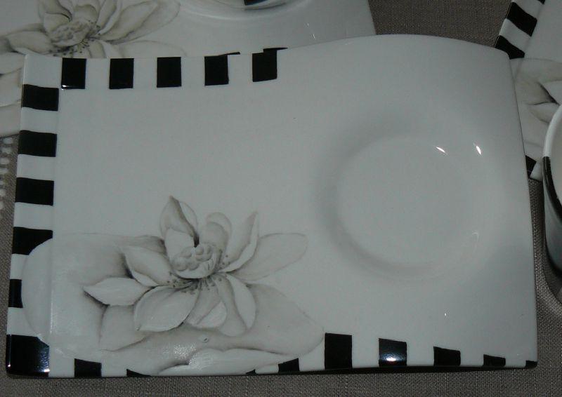 Service Lotus noir et blanc