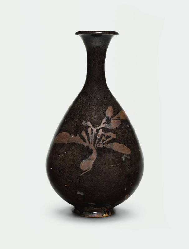 A russet painted black-glazed bottle vase, yuhuchin ping, Northern Song-Jin dynasty (960-1234)