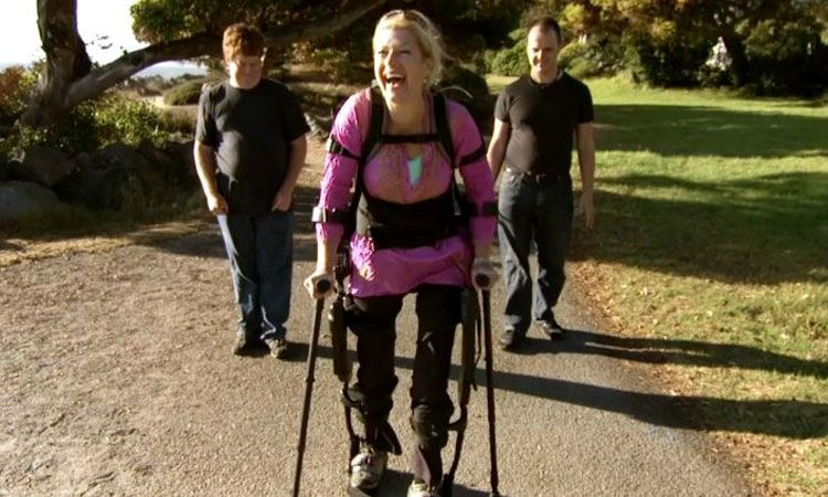 Un nouvel exosquelette permet aux personnes paraplégiques de remarcher presque normalement