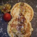 pancakes coco, citron, banane caramélisée