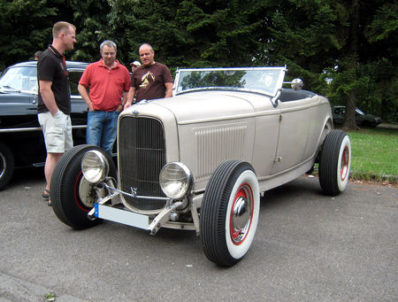 Ford_type_B_roadster_de_1932__Retrorencard_aout_2009__01