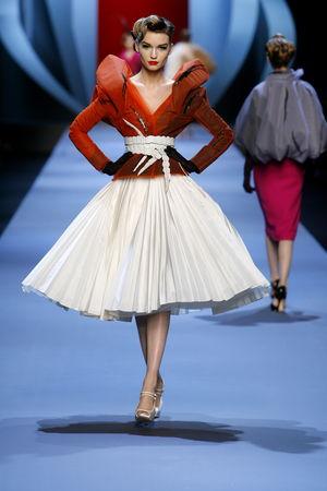 women_Dior_HC_SS2011_Look_12