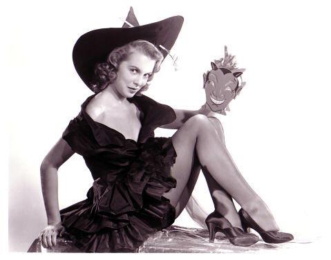 mm_friend-halloween-janet_leigh-1950s-c