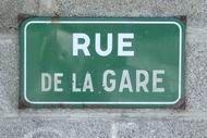 50_Brehal_rue_gare