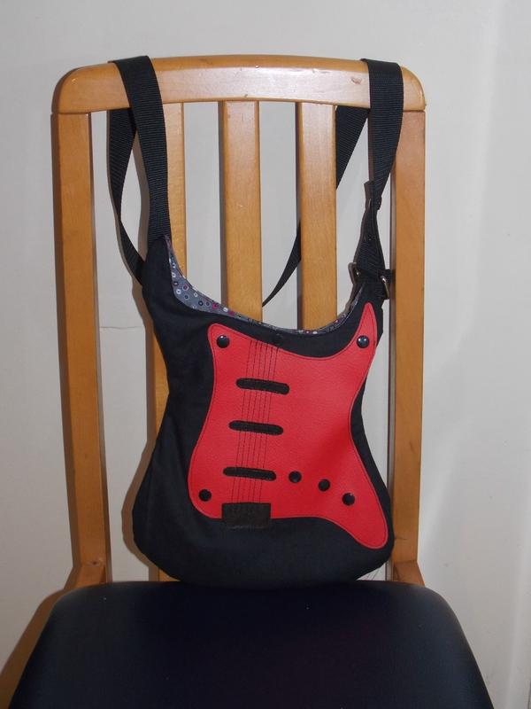 sac guitare fait par mes petites main ,un vrai plaisir