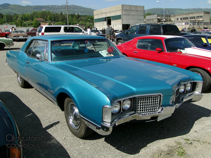 oldsmobile-98-holiday-coupe-1968-1