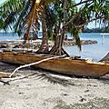 Huahine 2006 (46)pirogue à balancier ancienne