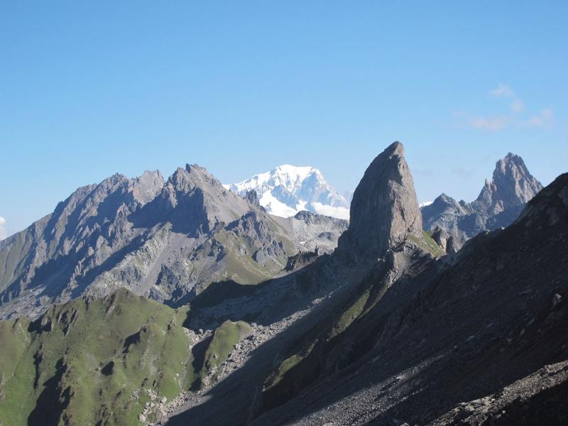 Aiguille du Grand Fond,Pointe de Presset,Mont-Blanc,Pierra Menta et Aiguille de La Nova