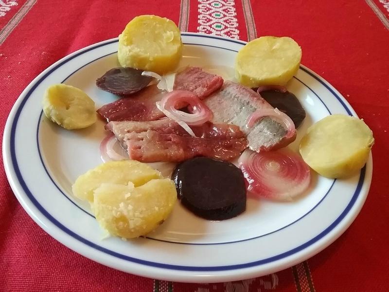 Filets de hareng saur à l'huile aux oignons et aux betteraves1