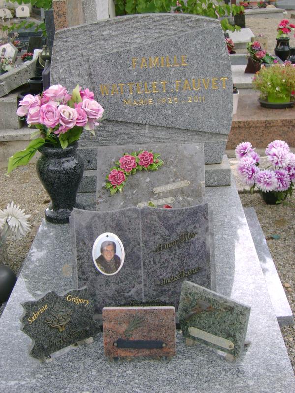 163 - Tombe de la famille Wattelet Fauvet