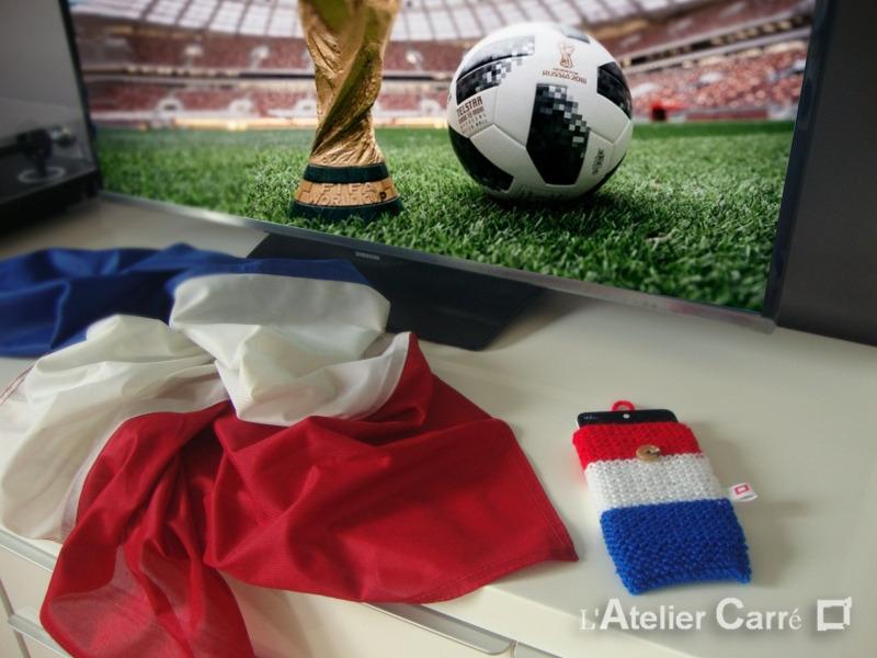 etui-smartphone-tricot-drapeau-francais1