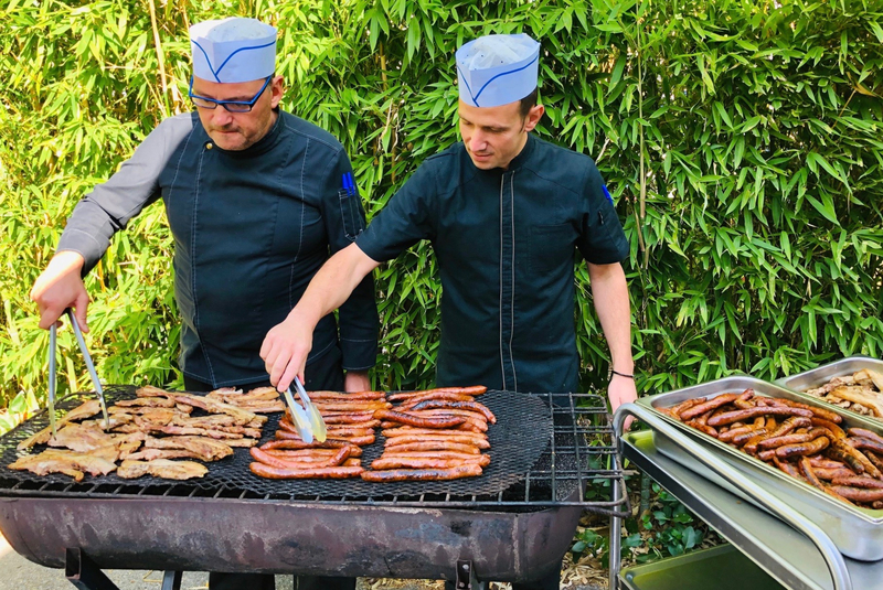 FOYER BARBECUE 2019 septembre cuisiniers