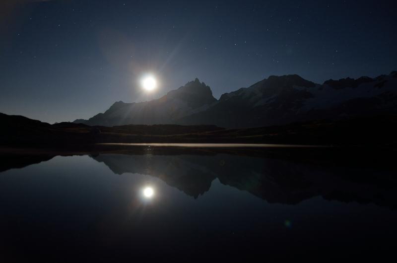 23h27, clair de lune sur le lac Noir