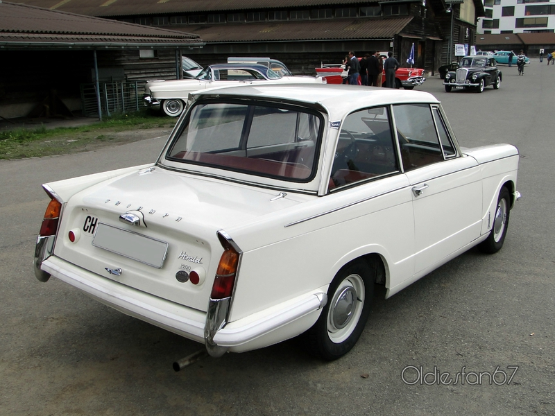 triumph-herald-1200-saloon-1965-b