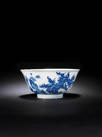 A_blue_and_white__birds__bowl
