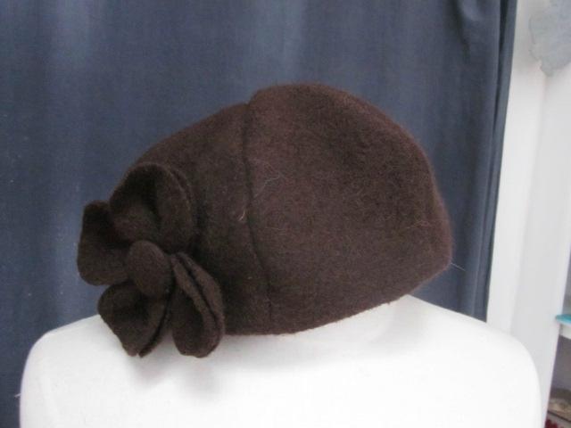 Chapeau AGATHE en laien bouillie chocolat avec fleur - Doublure de coton rose pâle à pois chocolat - Taille 58 (2)