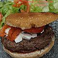 Hamburger maison boeuf et fromage de chèvre