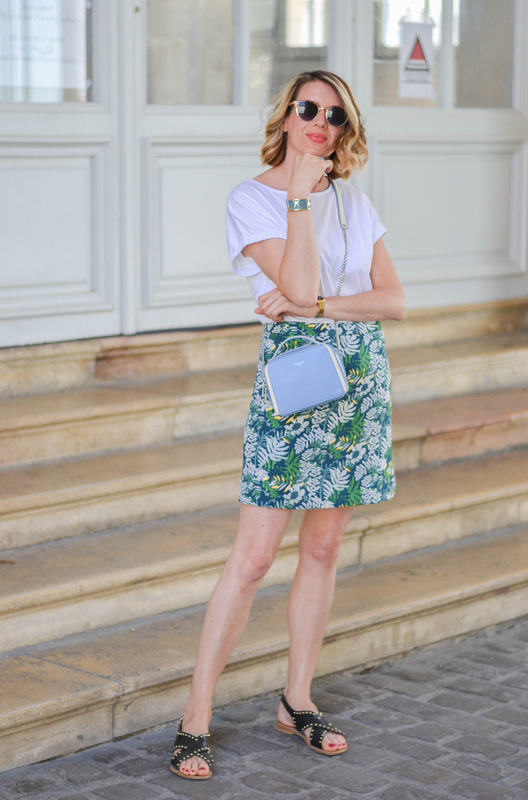 blue bag and print skirt - styliz (9)