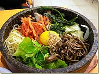 220px-Korean.food-Bibimbap-02