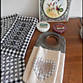 set_de_table_et_pochette___couverts_en_broderie_suisse
